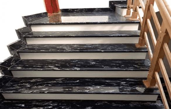 Cầu thang mặt đen cổ trắng Black Forest